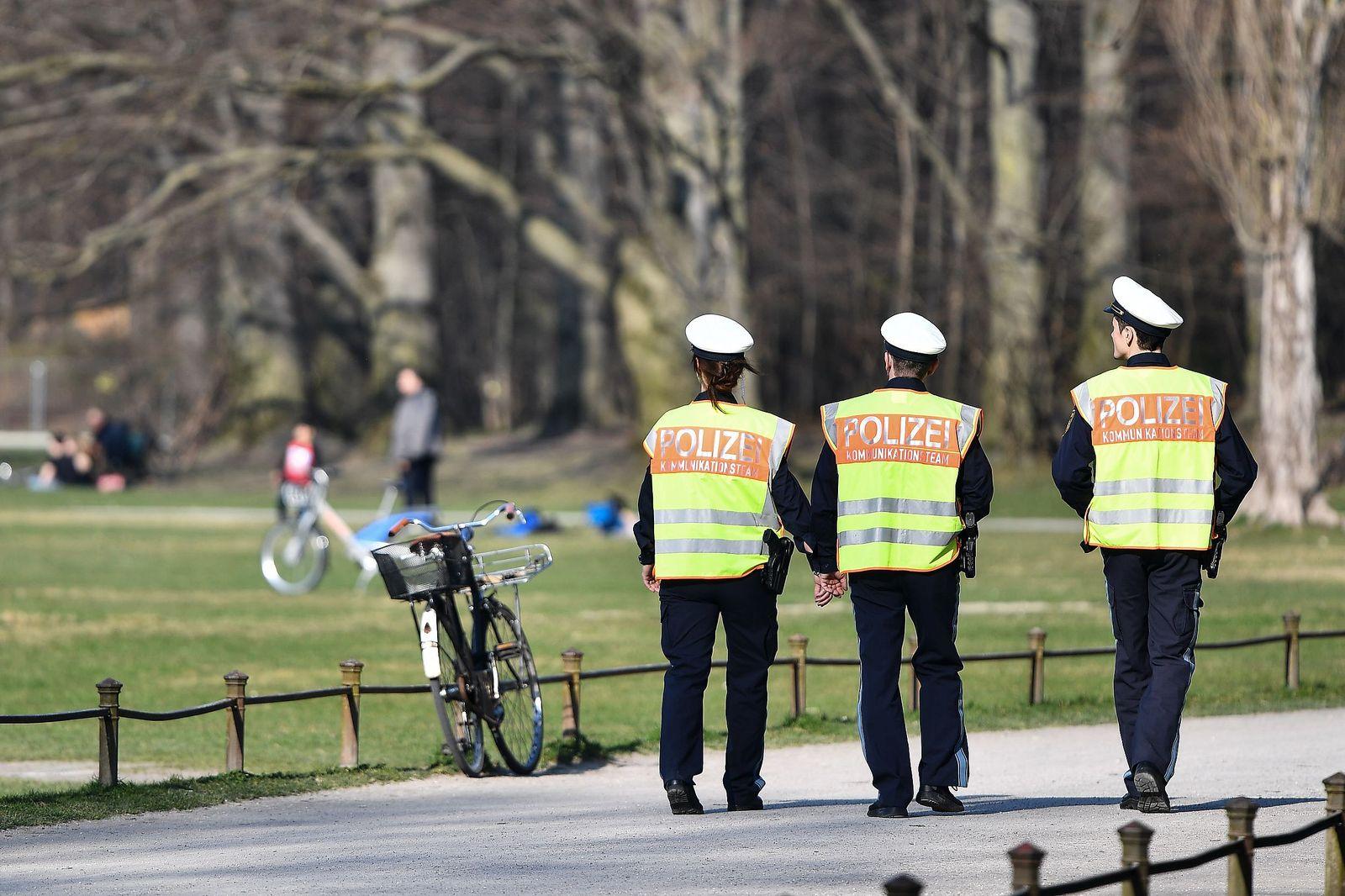 Daily life in Munich during coronavirus pandemic, Germany - 20 Mar 2020