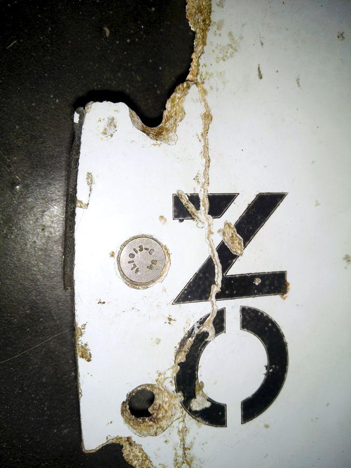 Stück des Höhenleitwerks von MH 370