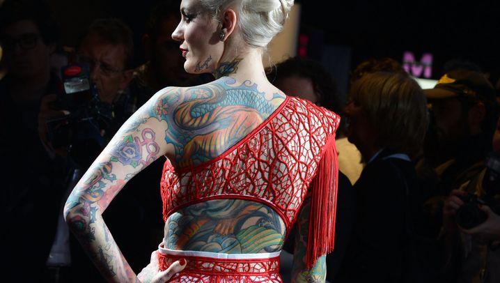 Mode-Tattoos: Wenn das Herz zum Haut-Alptraum wird