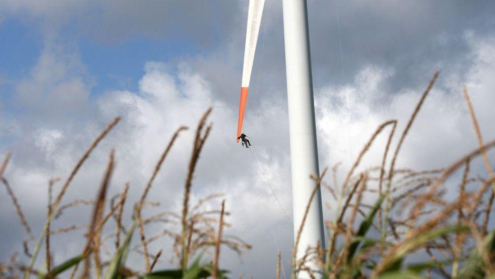 Windrad-Inspekteure: Abseilen am Rotor