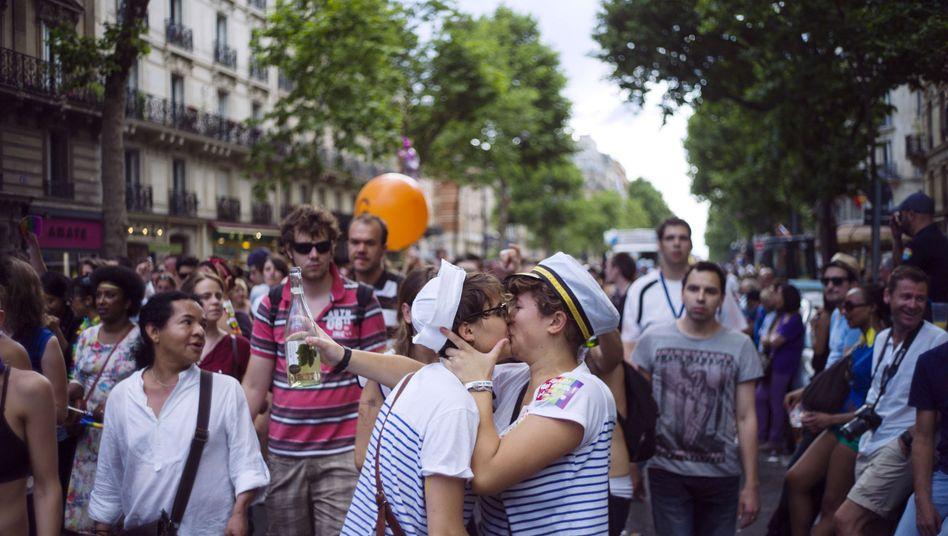 """""""Gay Pride""""-Parade in Paris: Viele Homosexuelle berichten von Diskriminierung"""