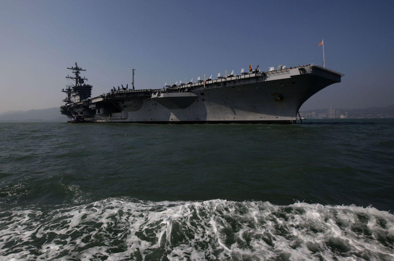 Hong Kong USS Carl Vinson