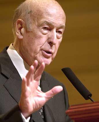 Valéry Giscard d'Estaing: Im Zentrum der Kritik