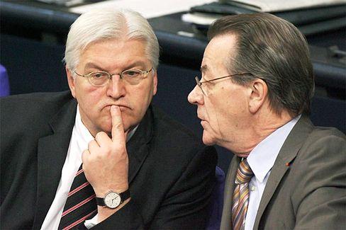 Steinmeier, Müntefering (im Bundestag): Der Außenminister soll neuer Vizekanzler werden