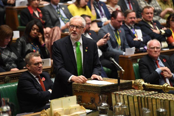 """Johnsons Widersacher Jeremy Corbyn: """"Ausverkauf"""" des Landes"""