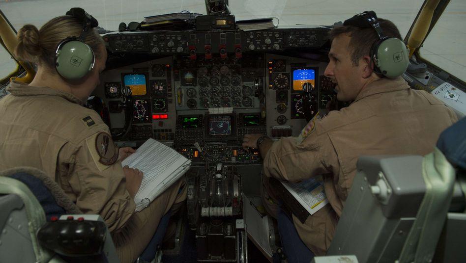Piloten der US-Luftwaffe im Irak: Luftbrücke oder doch gezielte Bodenmission?