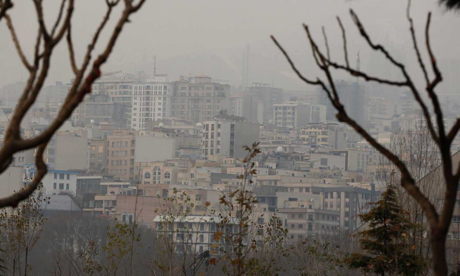 Air pollution in Tehran reaches record high prompting warnings