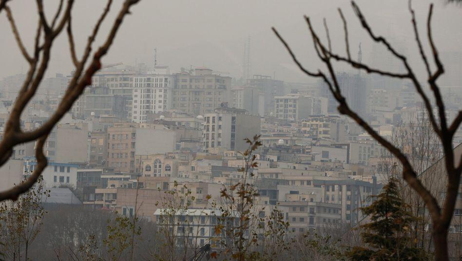 Verschmutzte Luft in Teheran: Geschlossene Schulen, weniger Straßenverkehr