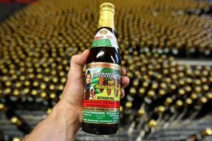 Tannenzäpfle (Sonderedition zum 50. Jubiläum): Die Biermarke kommt bewusst unaufgeregt daher. Das Unternehmen sieht darin den Grund für seinen Erfolg.