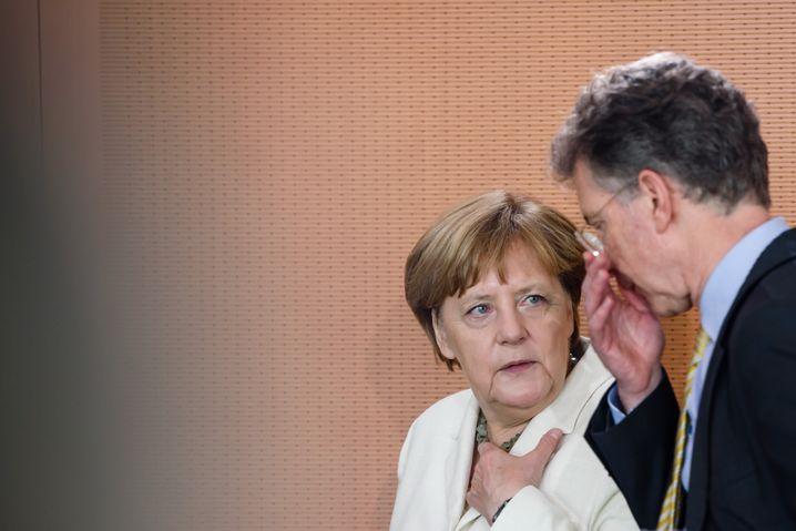 Merkel und Heusgen im Juni 2016