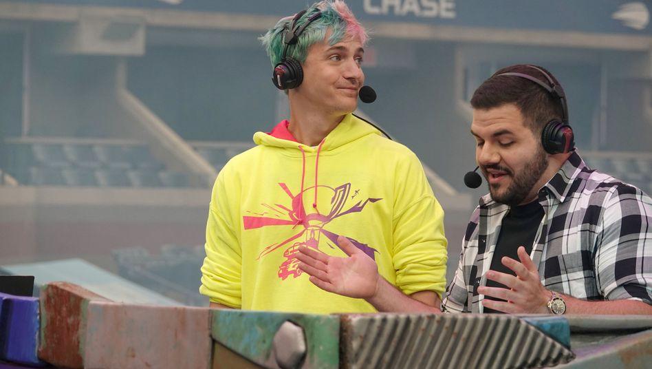 """Tyler """"Ninja"""" Blevins steht bei der """"Fortnite""""-WM auf der Bühne"""
