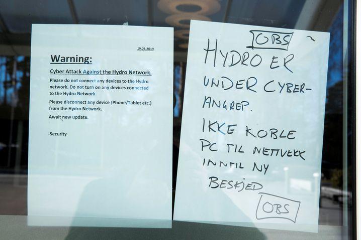 Hinweis auf die Attacke im Norsk-Hydro-Hauptquartier
