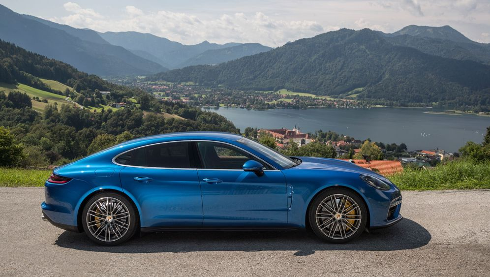 Neuer Porsche Panamera Turbo: Flinker Fingerzeig