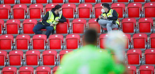 Bundesliga ohne Zuschauer in Stadien: Nur Karl-Heinz Rummenigge hofft immer noch