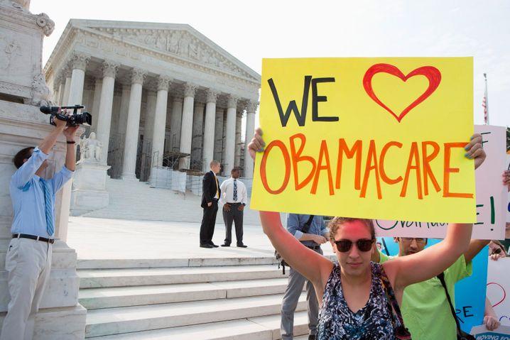"""""""Wir lieben Obamacare"""": Demonstranten vor dem Supreme Court (2012)"""