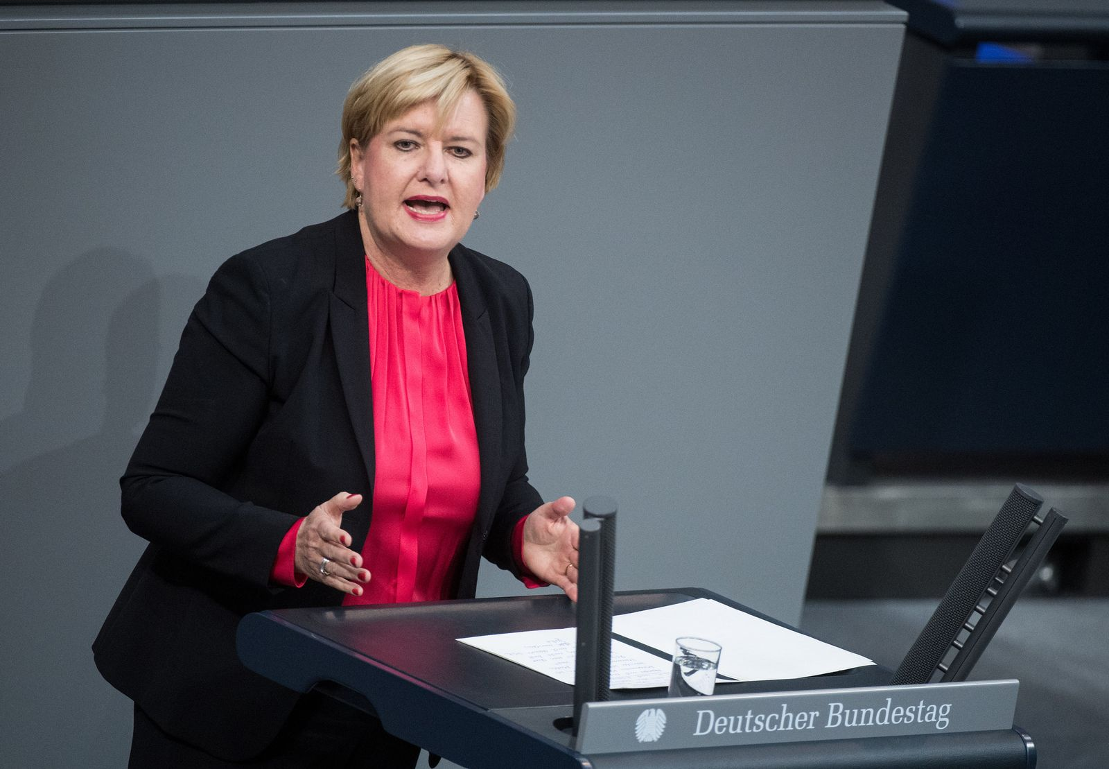 Bundestag/ Eva Högl/ SPD/ Twitter