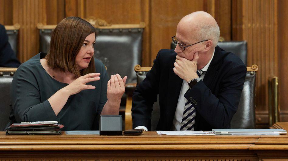 Katharina Fegebank und Peter Tschentscher im Hamburger Senat