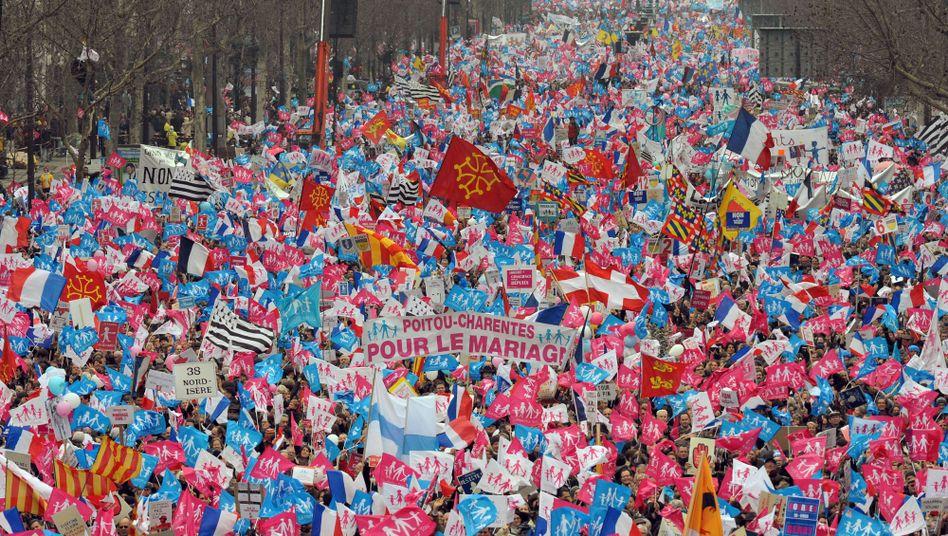 Demonstration gegen Homo-Ehe (in Paris): Von was fühlt sich der gemeine Sexist bedroht?