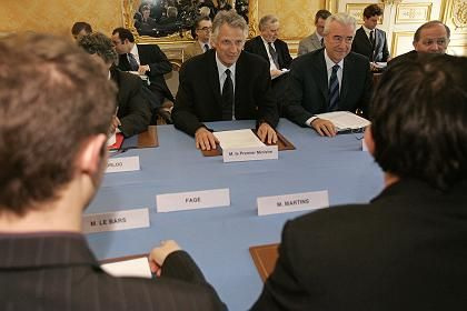 French Prime Minister de Villepin met with representatives of student organizations last Saturday.