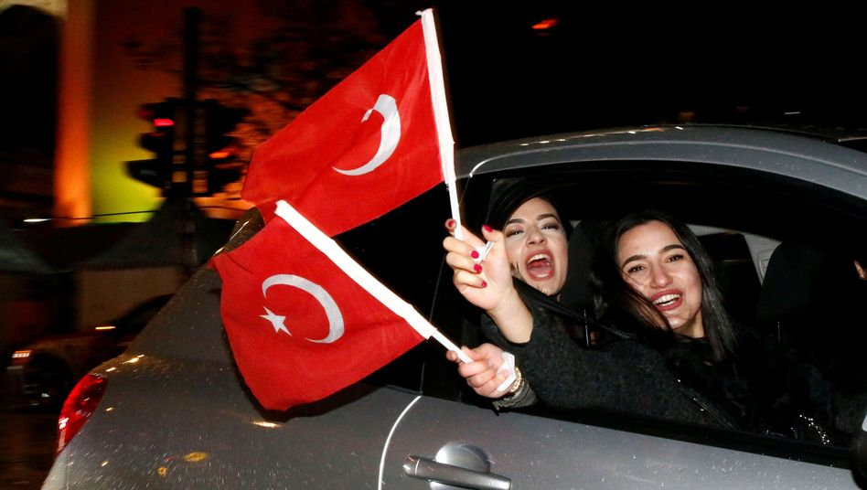 Erdogan supporters in Berlin after the vote