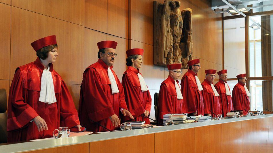 """Zweiter Senat des Bundesverfassungsgerichts: """"Der Bundestag darf nicht alles"""""""
