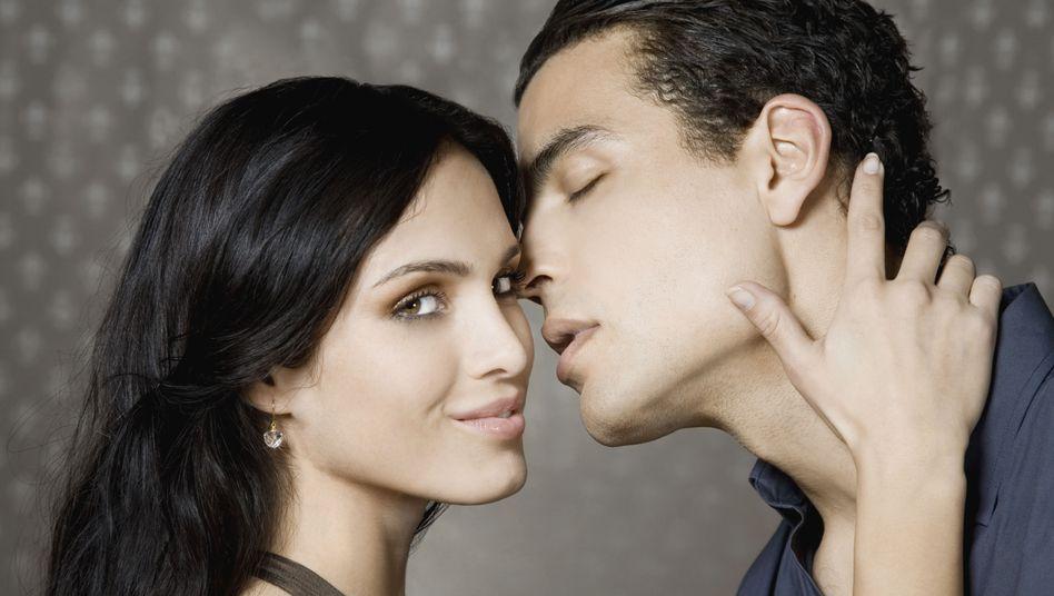 Treu oder nicht? Frauen erkennen polygame Partner am Gesicht