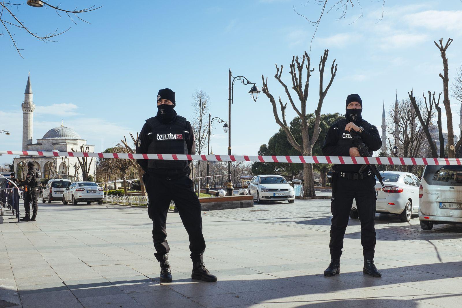 EINMALIGE VERWENDUNG Istanbul/ Explosion