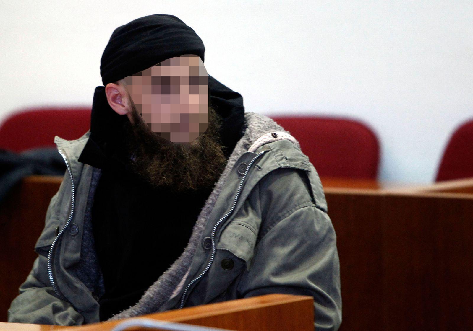 NICHT VERWENDEN Prozess/ Salafist Murat K/ Messerstiche auf Polizisten
