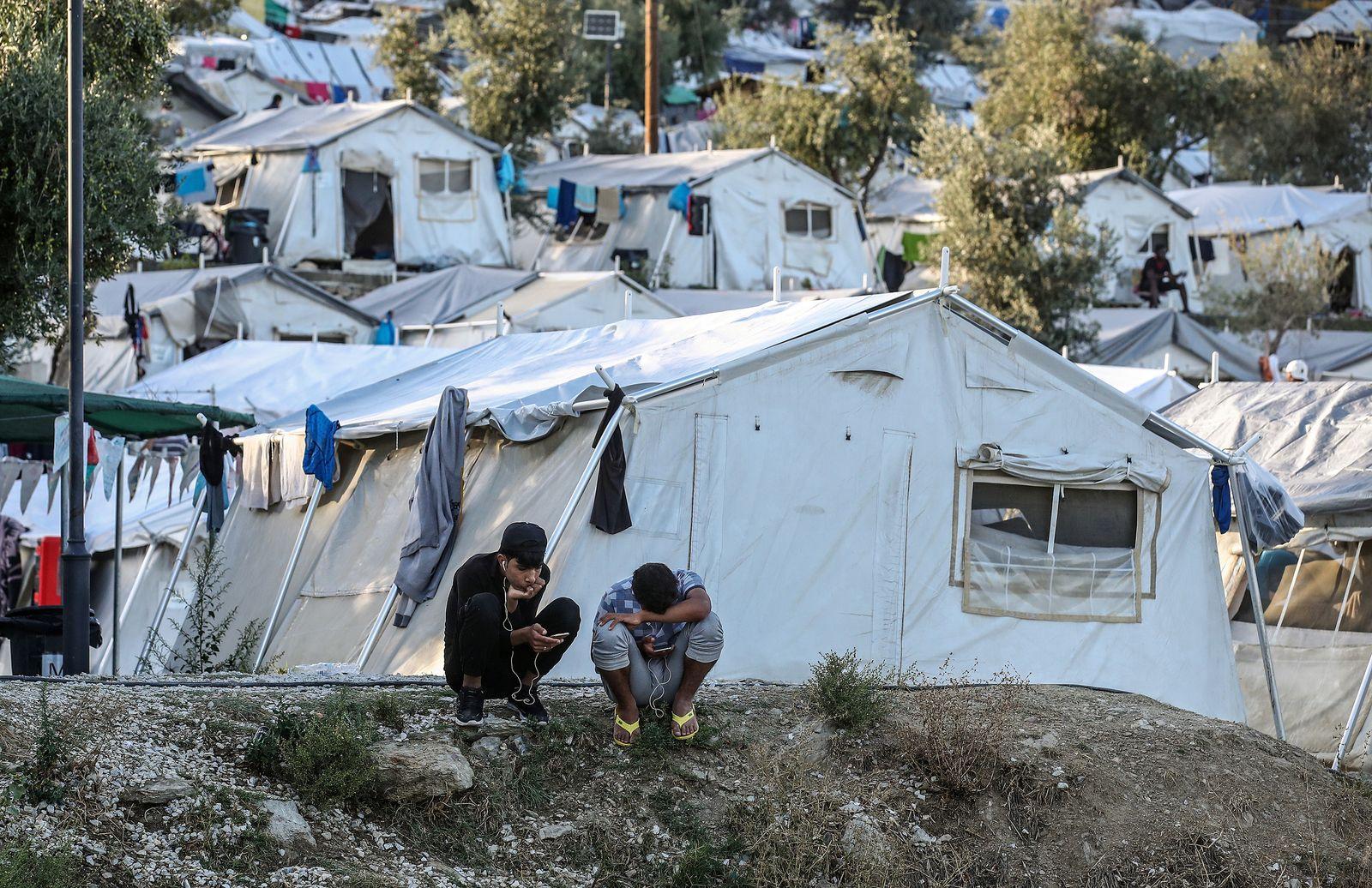 EINMALIGE VERWENDUNG Flüchtlinge/ Migranten/ Griechenland