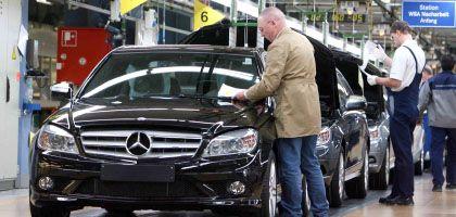 Daimler-Mitarbeiter in Sindelfingen: Dramatischer Gewinnrückgang