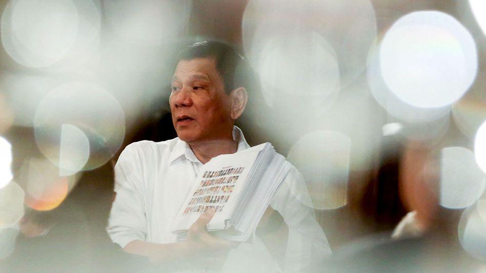 Philippinen: Duterte will Kriminelle eigenhändig getötet haben