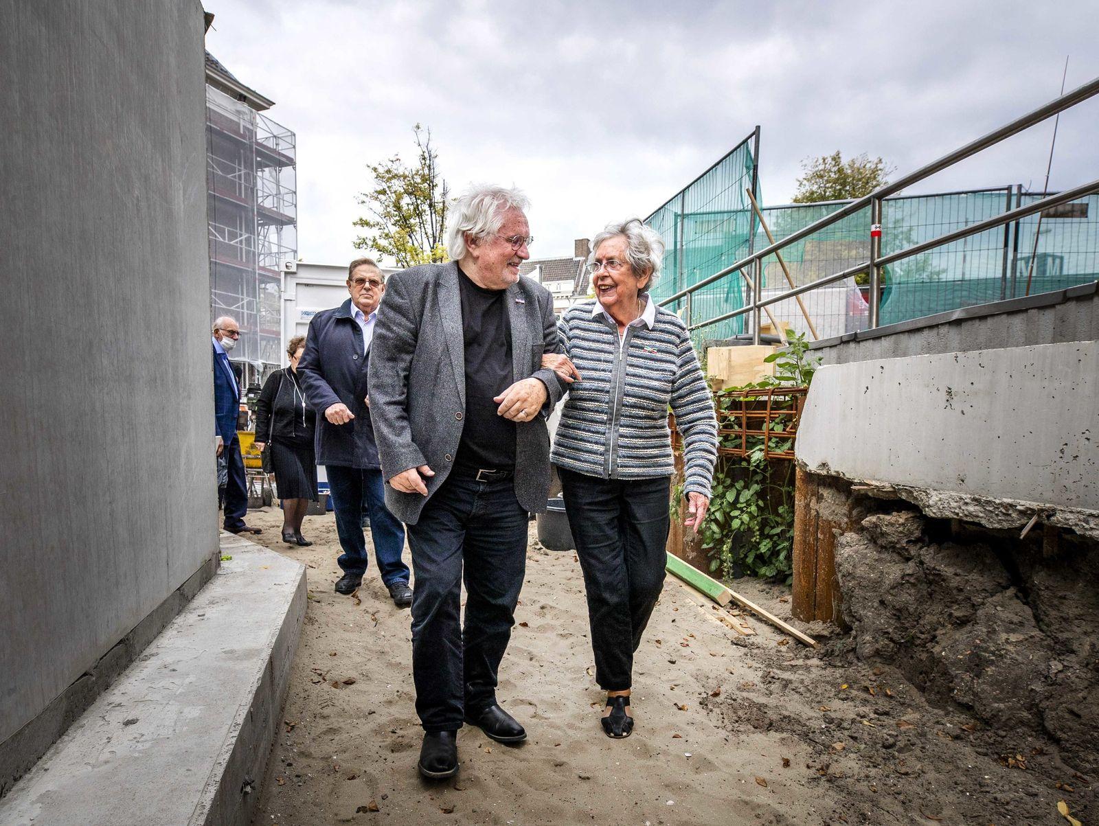 Erster Namensstein für Holocaust-Mahnmal in Amsterdam