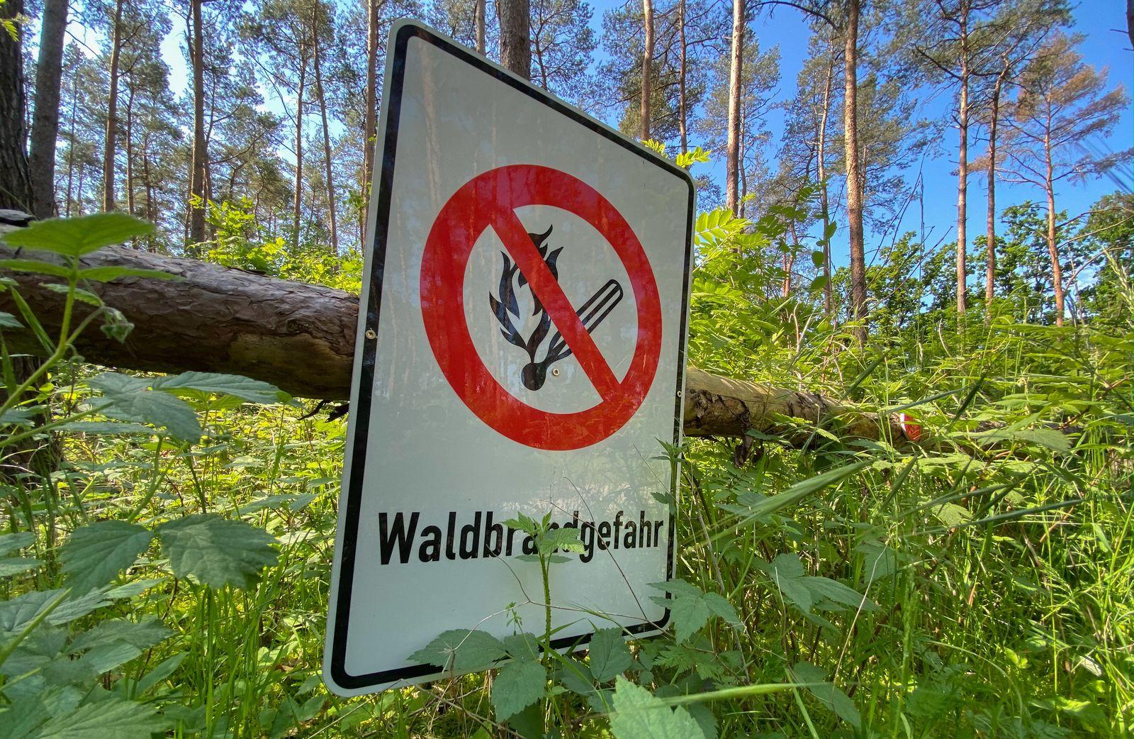 Warnschild Waldbrandgefahr