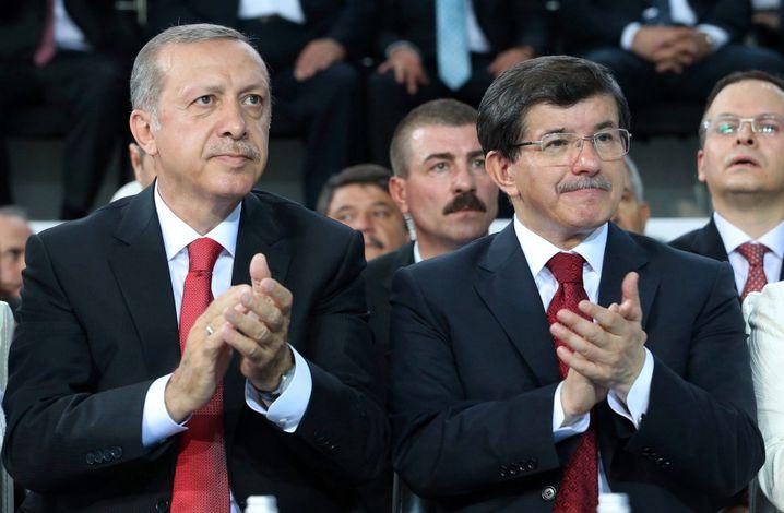 "Erdoğan and Davutoğlu in 2014: ""My aim was never to topple Erdoğan."""