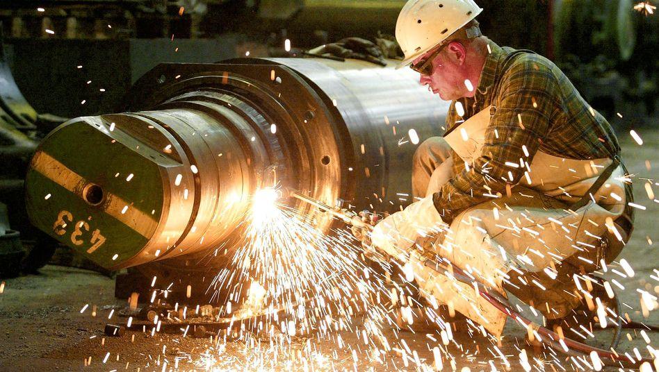 Metallarbeiter in Duisburg: Erholung der deutschen Wirtschaft durch den Export