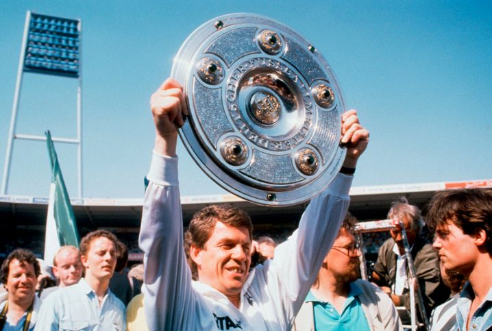 Otto Rehhagel with the 1988 championship trophy
