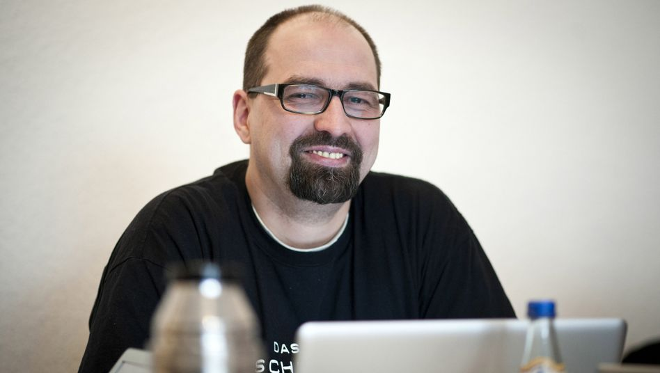 """Berliner Piraten-Chef Semken: """"Hänge Utopie einer Gesellschaft ohne Macht an"""""""