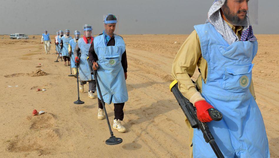 Die Suche nach Landminen, wie hier in Kandahar in Afghanistan, ist beschwerlich