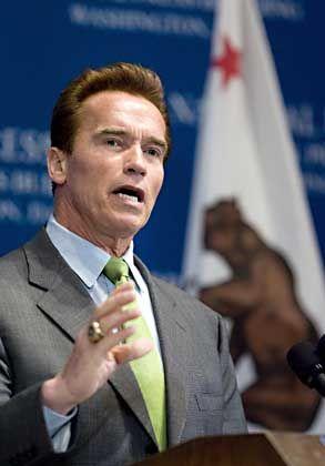 Kaliforniens Governor Arnold Schwarzenegger: Giftspritze mit der Verfassung in Einklang bringen