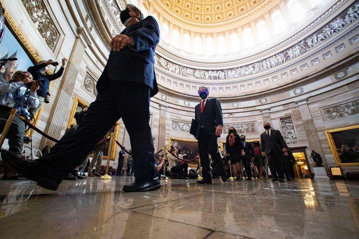 Trump-Impeachment Nummer zwei: Die demokratischen Ankläger auf dem Weg in den Senat