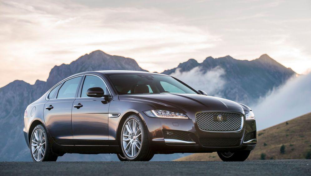 Autogramm Jaguar XF: Der holt auf