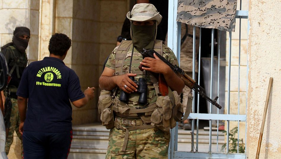 """Kämpfer einer protürkischen Miliz nahe Ras al-Ain: """"Rücksichtslose Angriffe"""""""