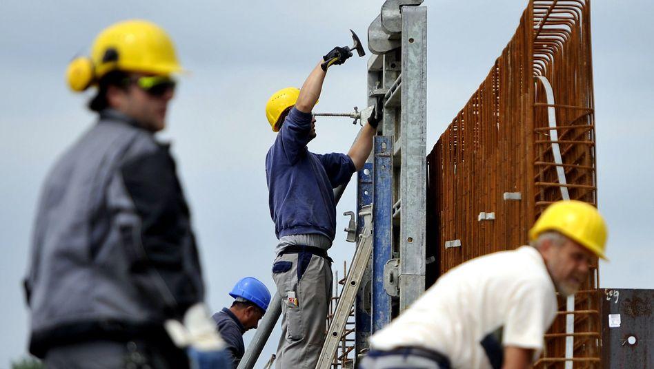 Arbeiter in Industriewerk: Die Aussichten verschlechtern sich
