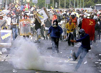"""Globalisierungskritiker in Genua: """"Die Gewalt verhindert die Auseinandersetzung mit den Inhalten"""""""
