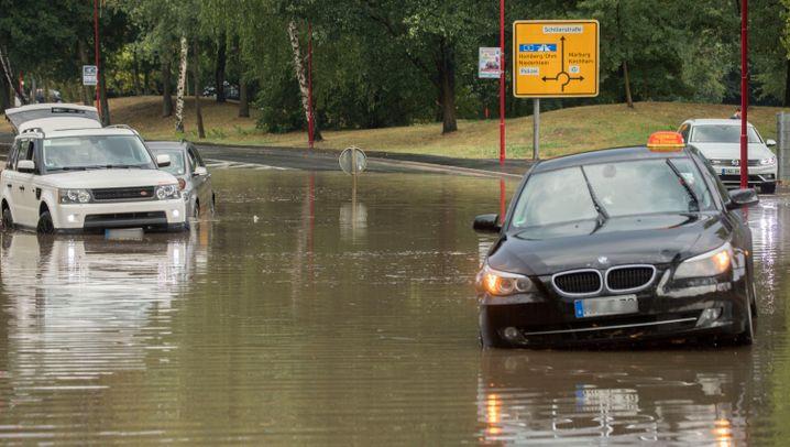 Gewitter und Starkregen: Land unter in Hessen