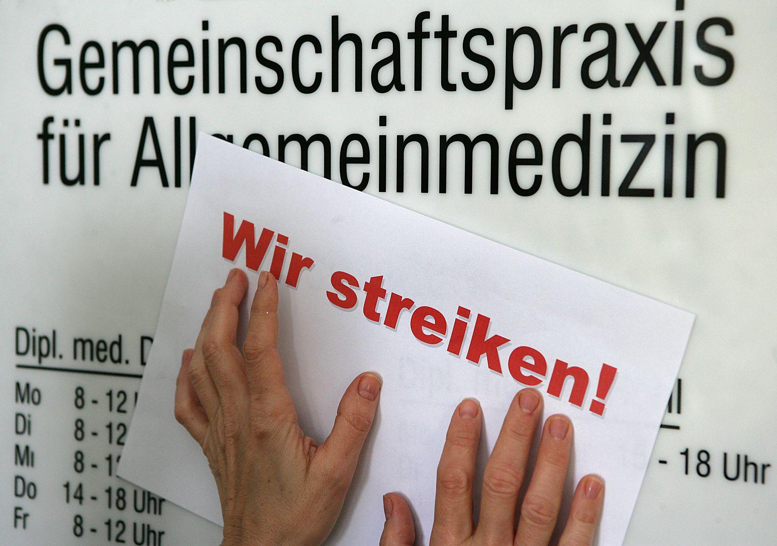 Ärzte / Steik / Arztpraxis