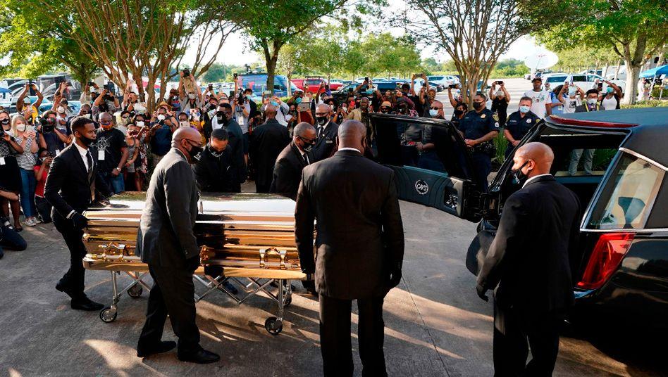 Goldener Sarg von George Floyd: Tausende kamen, um Abschied zu nehmen