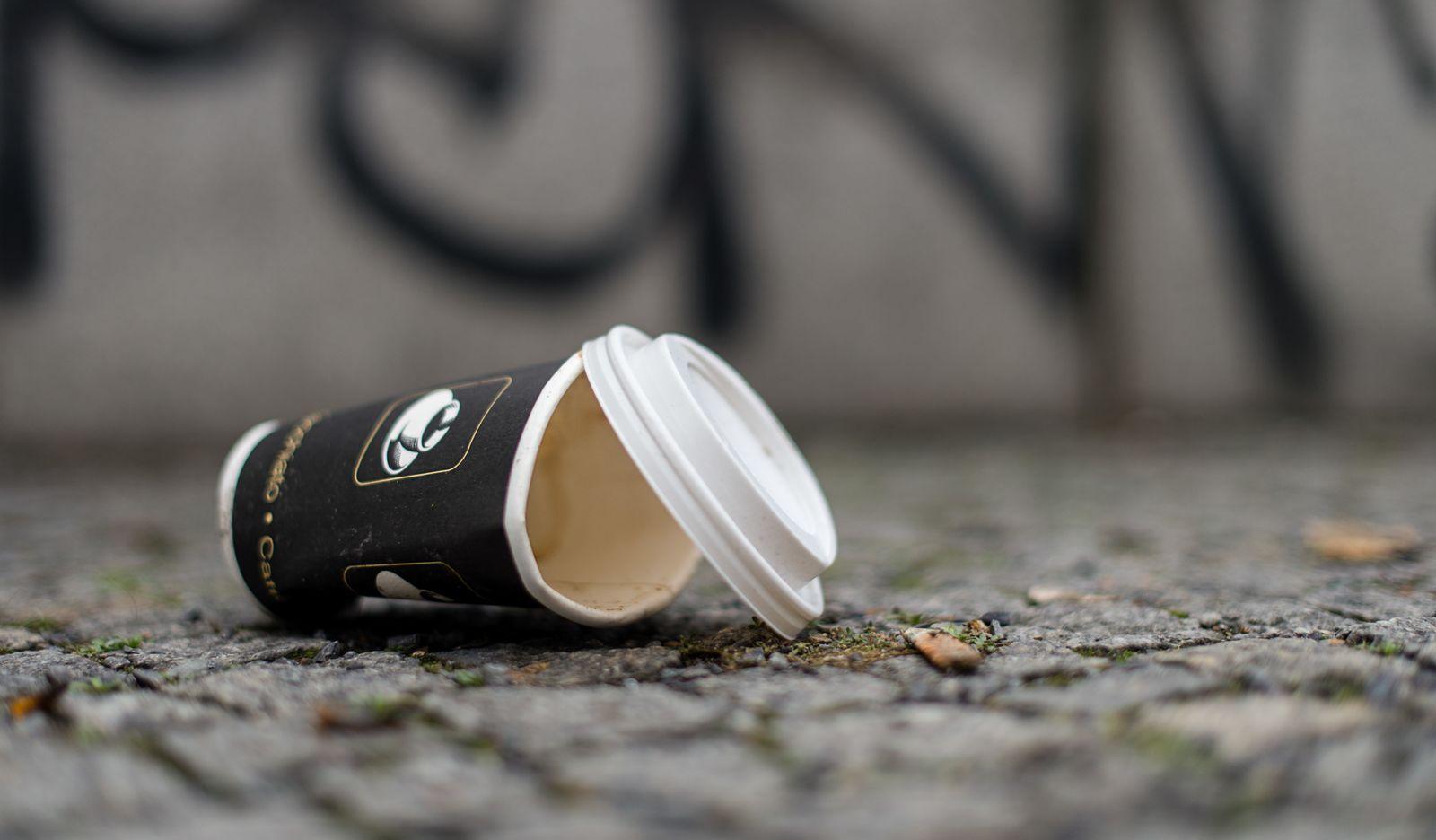 Coffee-to-go-Becher/ Pappbecher