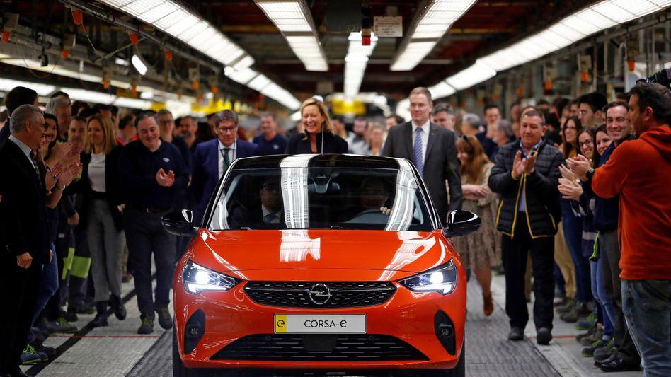 Vor wenigen Tagen präsentierte das PSA-Management den elektrischen Opel Corsa-e im spanischen Werk Figueruelas