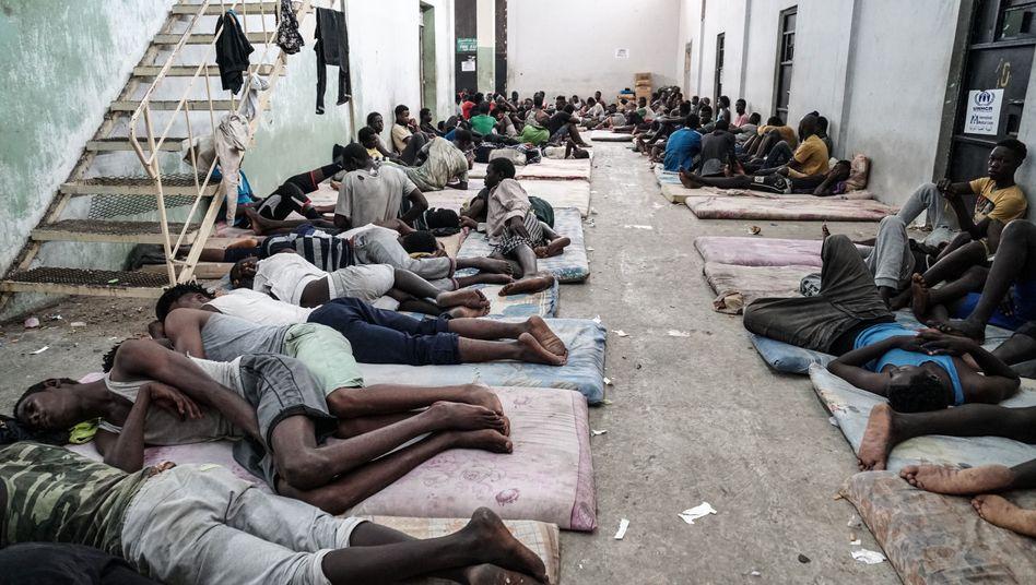 Flüchtlinge in einem Lager in Lybien